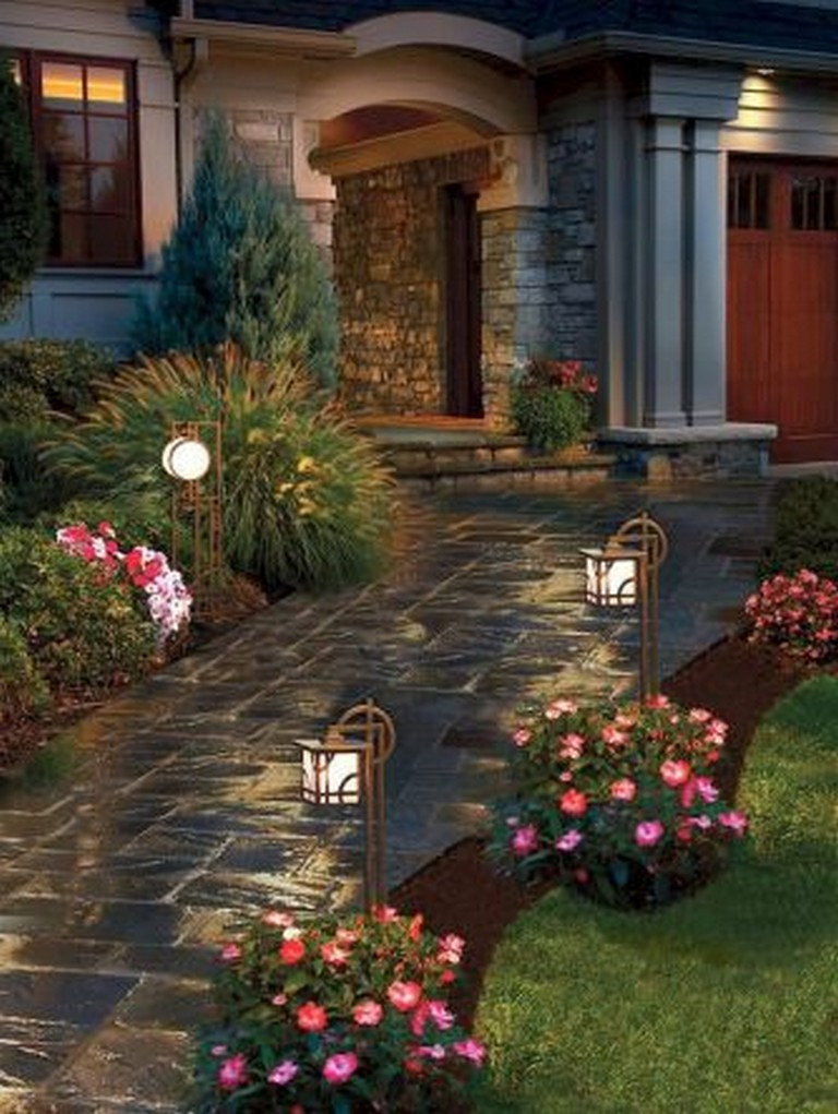 43+ Amazing Front Yard Landscaping Ideas on a Budget ... on Landscaping Ideas For Front Yard On A Budget id=31183